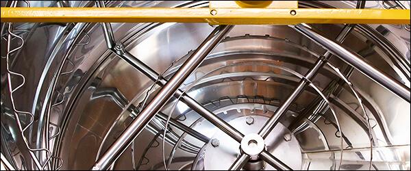 Бак и крепление рамок медогонки медуница на 36 рамок