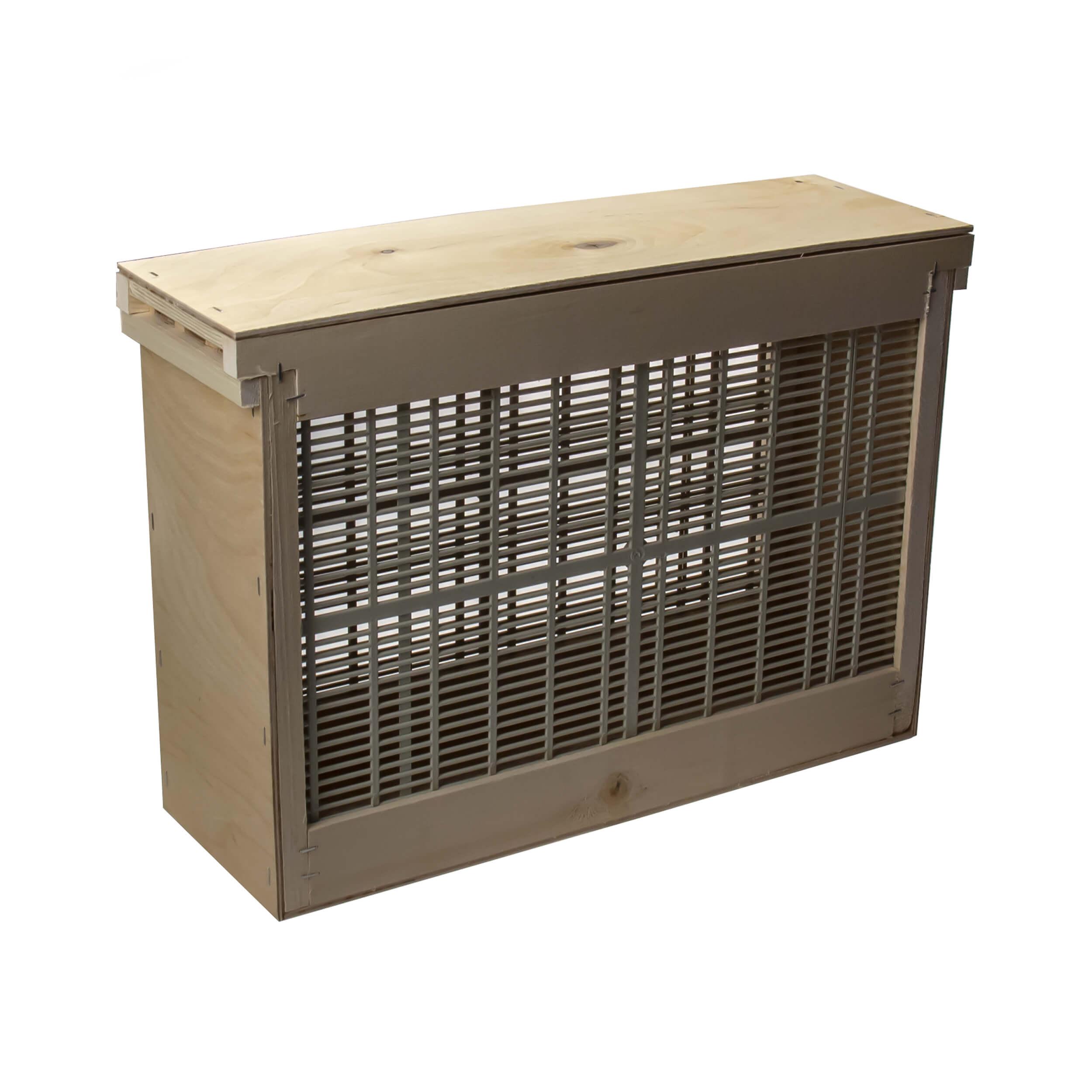 """Изолятор для пчелиных маток на 3 рамки """"Дадан"""" решетка - пластик, корпус - фанера фото"""