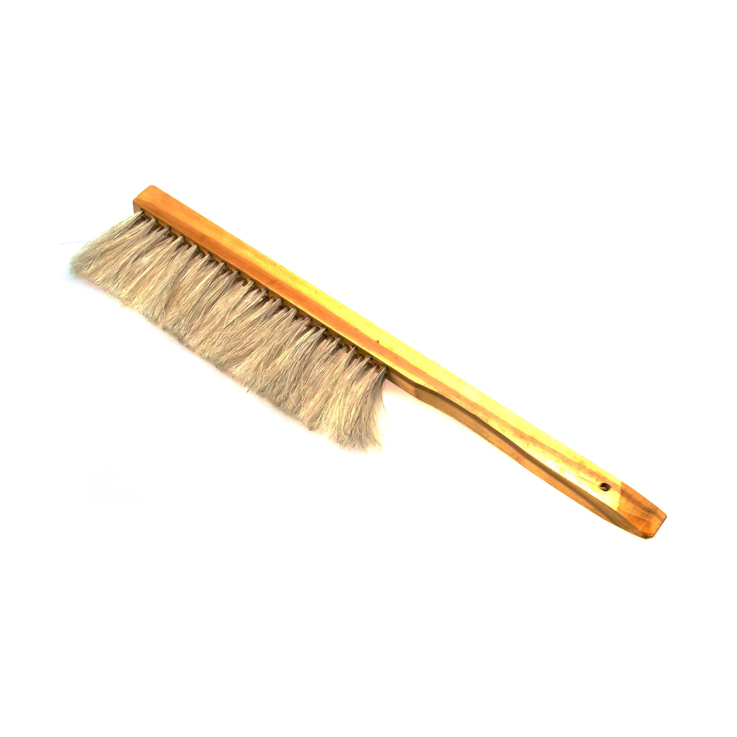 """Щетка сметка """"Horsehair Bee Brush"""" трехрядная (натуральный конский ворс, деревянная ручка) фото"""