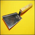 Скребок - лопатка (нержавейка с деревянной ручкой) фото
